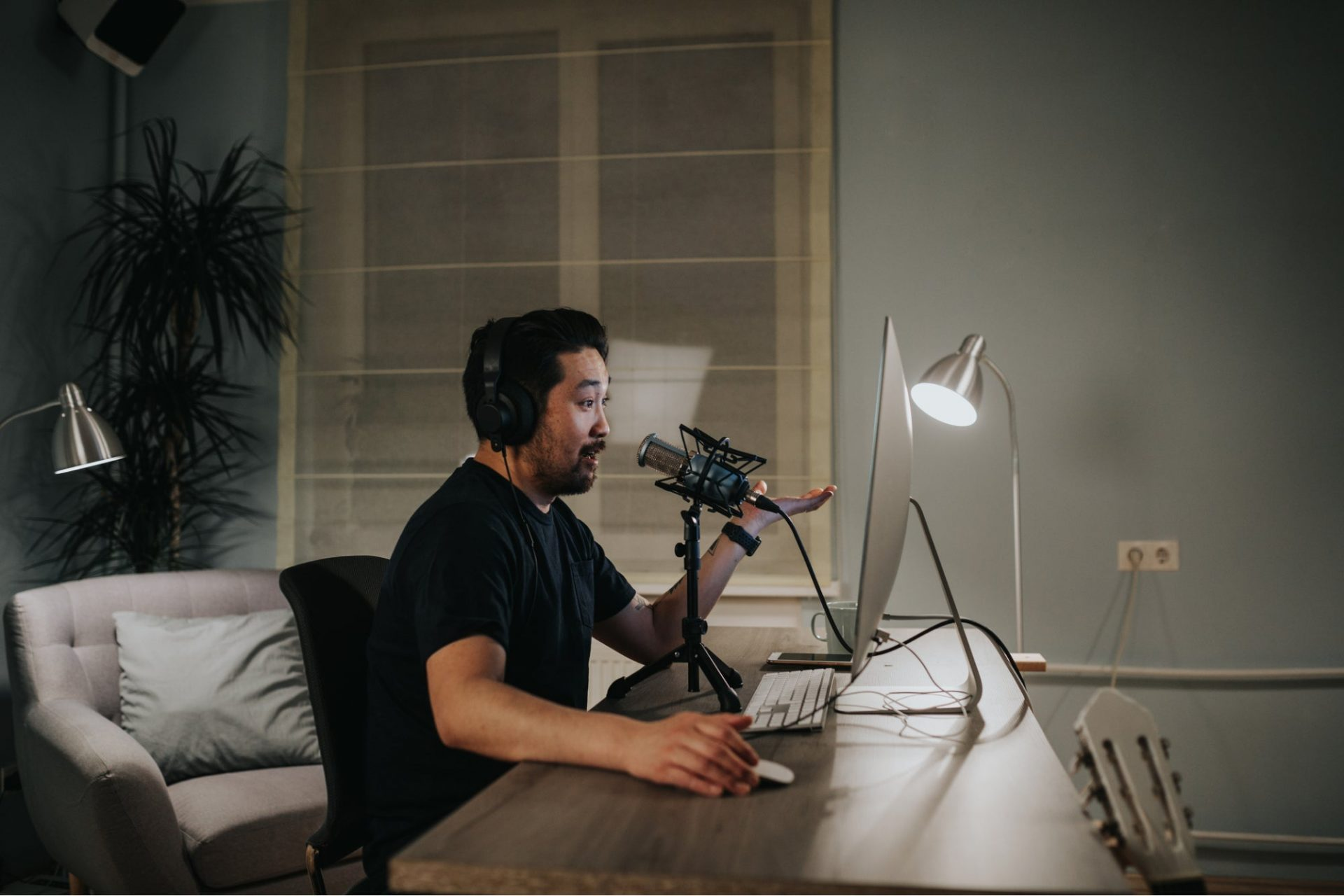 Want to Advertise Your Business on Podcasts? Here's How to Get Started.
